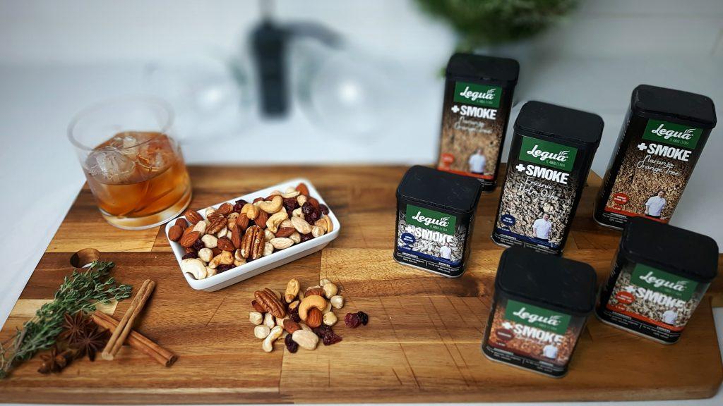 Dale un toque ahumado a tus cocktail con los smoke Legua en las variedades encina, naranjo, olivo y quebracho.
