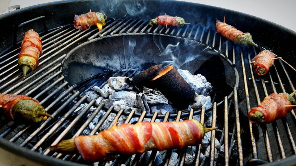 Cocina con carbón y chunks de manzano de Legua