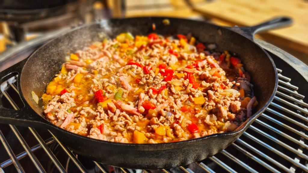 Cocina con carbón de marabú de Legua