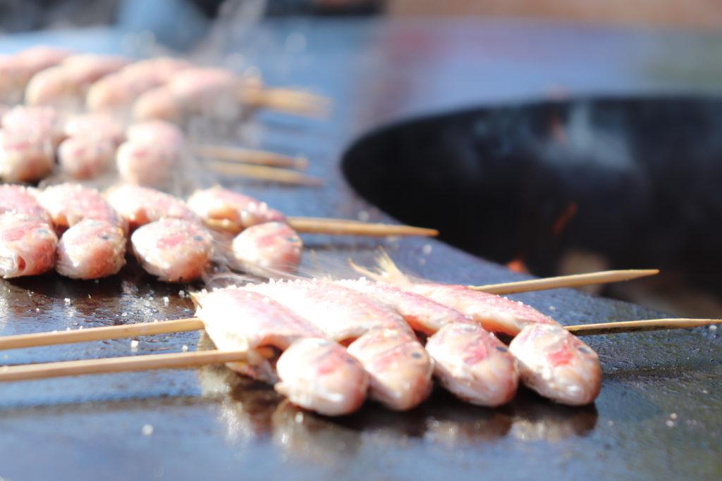 Cocina con astillas de roble y astillas de olivo de Legua.